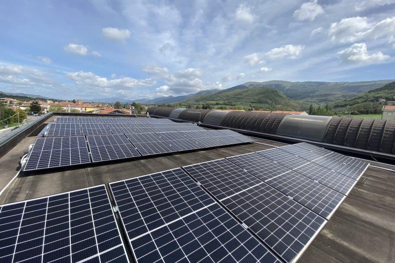 Installato un impianto Fotovoltaico presso una scuola elementare in provincia di Perugia con finanziamenti Statali